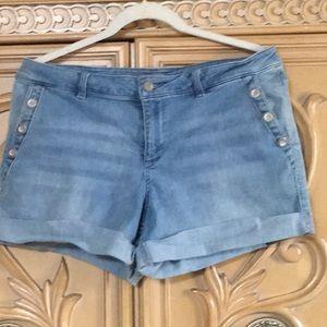 New York & Company cuffed Jean Shorts euc size 12